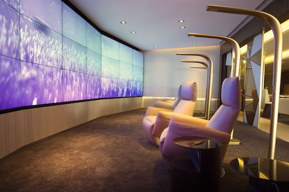 videowall at airport lounge powered by spinetix